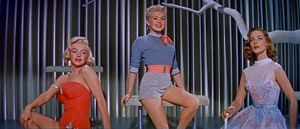 800px-Marilyn_Monroe,_Betty_Grable_and_Lauren_Bacall_in_How_to_Marry_a_Millionaire_trailer